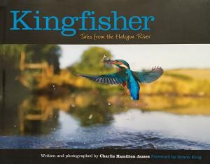 Het boek 'Kingfisher' van Charlie Hamilton James